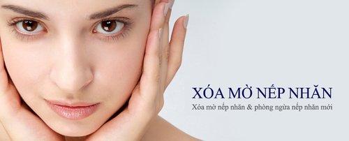 Đắp mặt nạ collagen xóa nếp nhăn