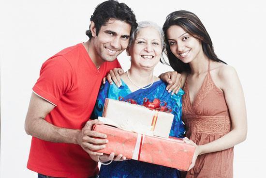 Mua quà gì cho người nước ngoài