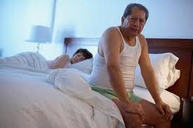 Cách khắc phục chứng tiểu đêm ở người già
