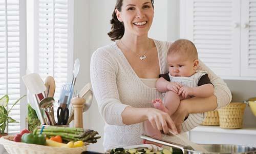 Bà mẹ sau sinh nên và không nên ăn gì?